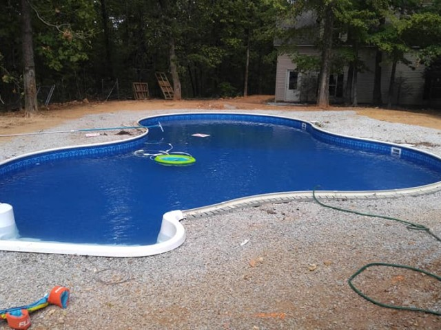 Vinyl Pool Free Form Constructed in Alabaster Al
