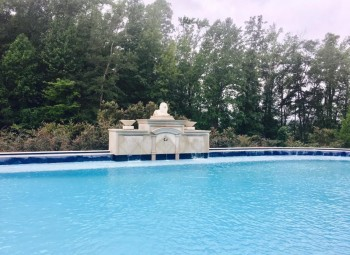 02_large_gunite_pool_birmingham.jpg