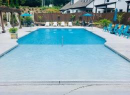 02_large_swimming_pool.jpg