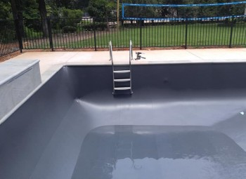 03_vinyl_pool_with_fence_indian_springs.jpg