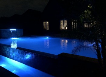 04_gunite_pool_at_night.jpeg