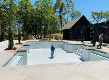 09_commercial_pool_lake_martin.jpg