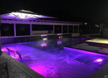 10_led_lights_gunite_pool.jpg
