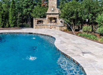 gunite_pool_with_spa_12.jpg
